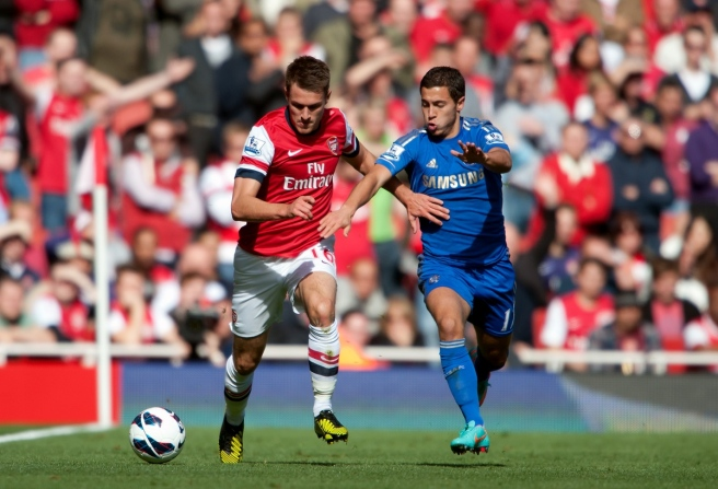Aaron Ramsey of Arsenal and Oscar of Chelsea